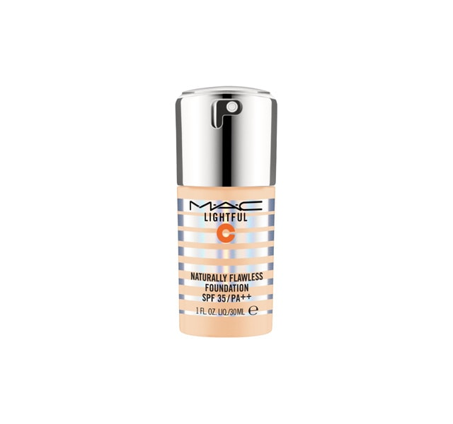 LIGHTFUL C NATURALLY FLAWLESS FOUNDATION SPF 35/PA++